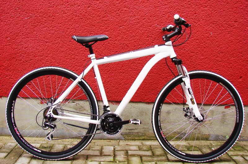 mifa 28 zoll alu mtb 24 gang shimano fahrrad mountainbike. Black Bedroom Furniture Sets. Home Design Ideas